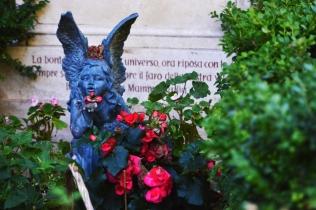 Piccolo angelo nel cimitero acattolico