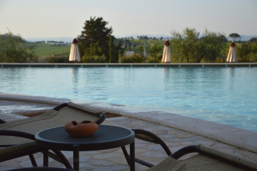 La piscina di una spa in Umbria